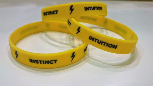 Pokemon Go Armband Team Gelb/Instinct/Intuition